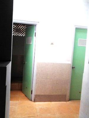 kamar kecil1
